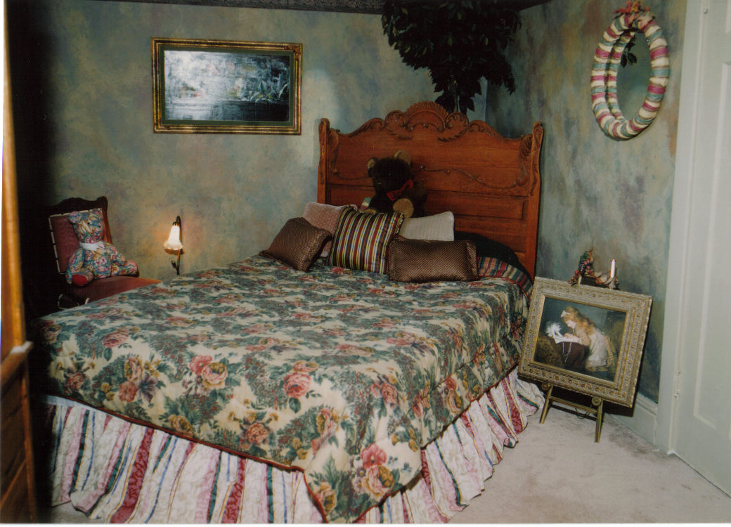 Antique Bedroom B&B