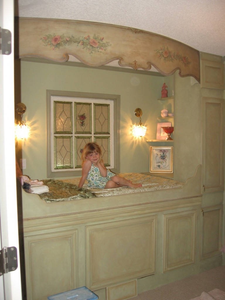 "Natasha's ""Diva"" Princess room"